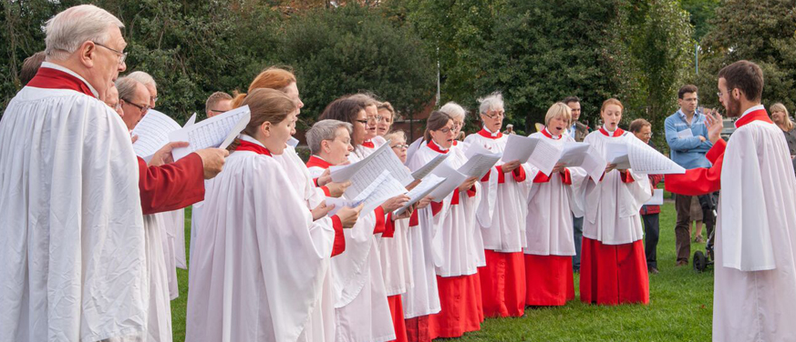 Choir on Green at Patronal Festival_cropped 873 x 376