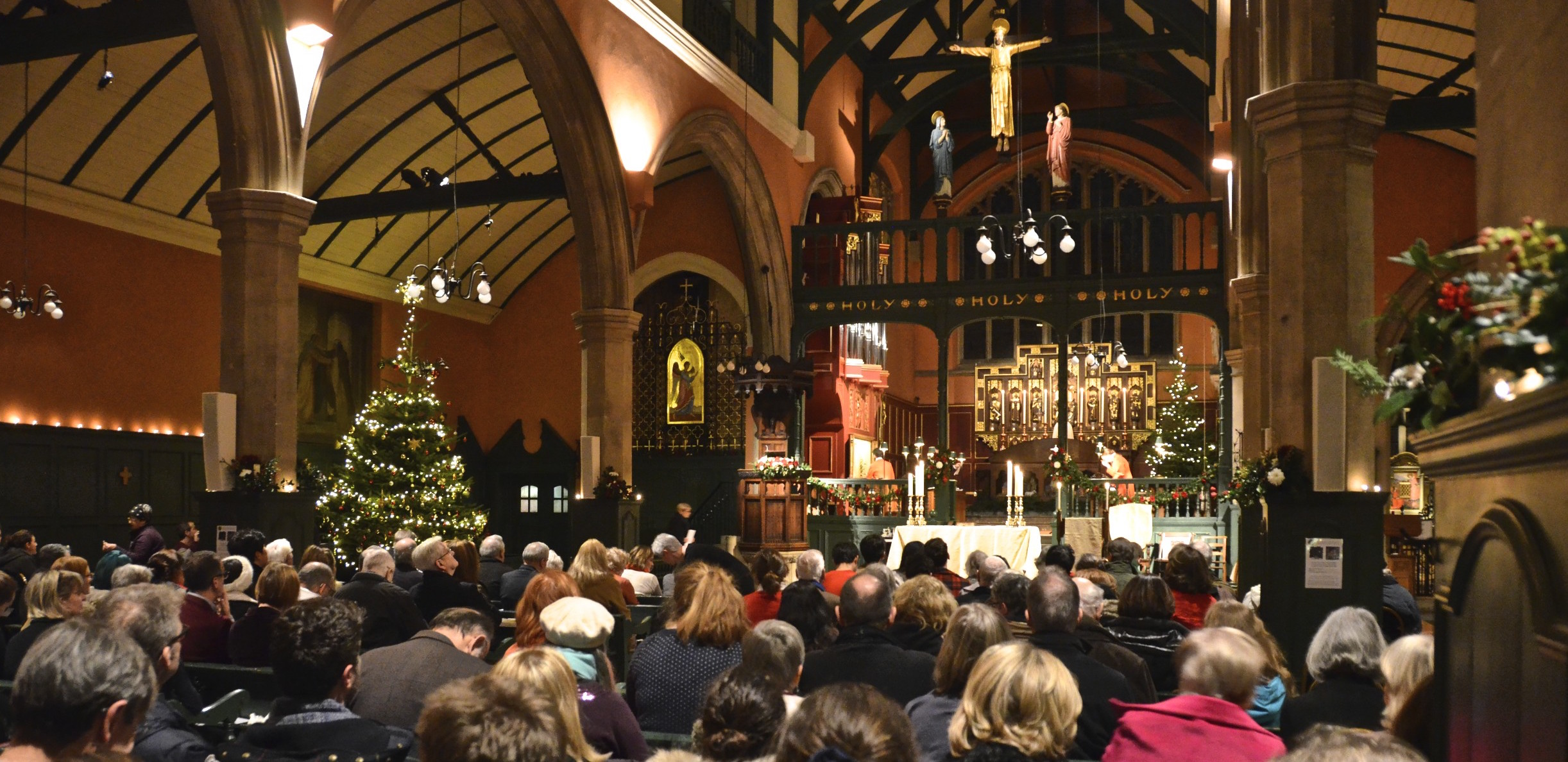 midnight-mass-2015-full-church-23524553783_2e3c4d6ccb_o-crop